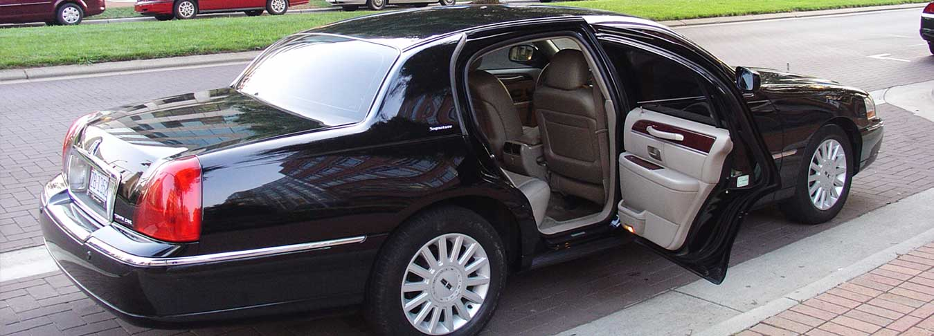 Lincoln Limo, Charlotte limo service, Charlotte limousine service, Airport Limo, Airport Shuttle, Charlotte, NC